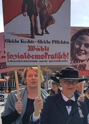 Britta-Schlage-Demo-100-Jahre-Frauenwahlrecht